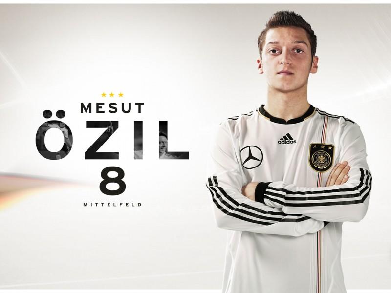 Mesut Özil mit Deutschland